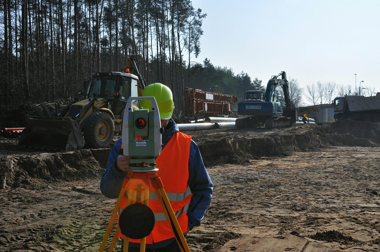surveyor-585463_1280